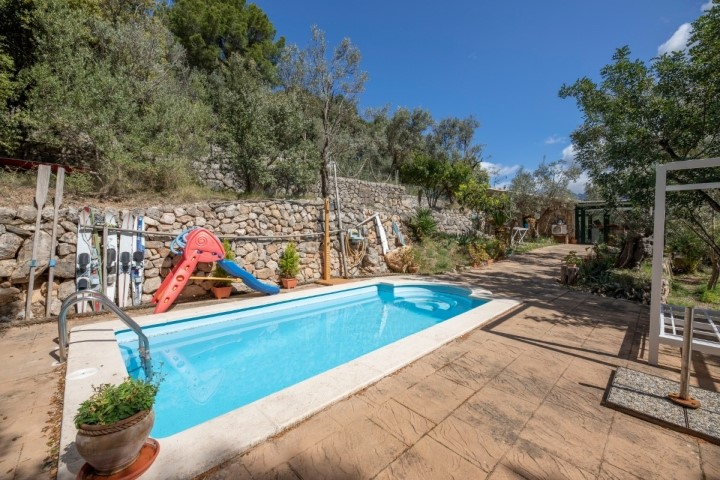 Country house with pool for sale in the Tramuntana of Sóller