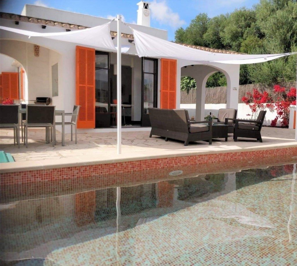 Detached House for sale with holiday rental license in Cala D'or