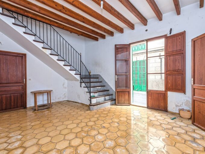 charming village house to renovate for sale in Porreres, Mallorca