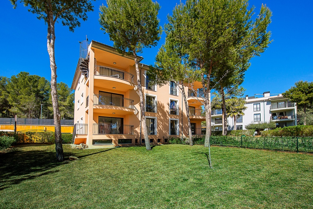 New ground floor apartment for sale in an exclusive complex in Camp De Mar