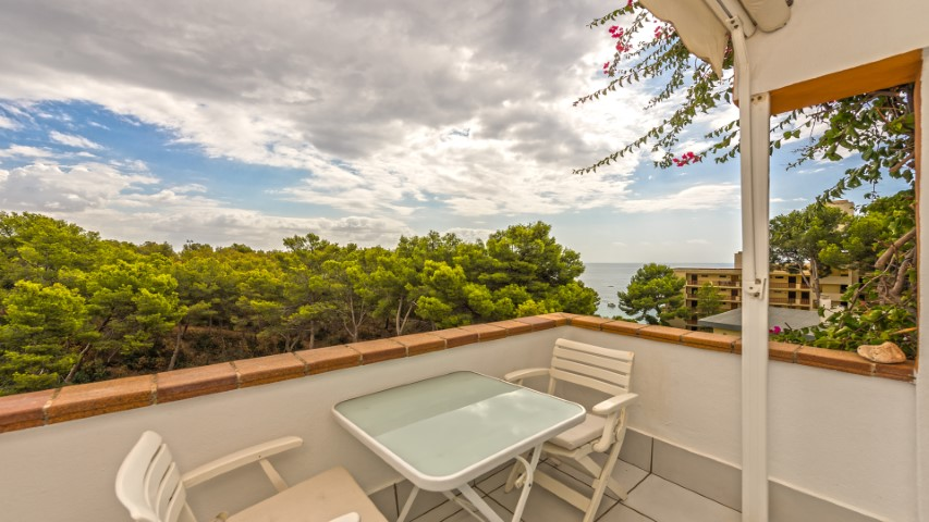 Nice apartment with sea view for sale in Portals, Mallorca