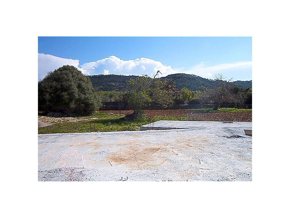 Capdepera buildable land with licence and project