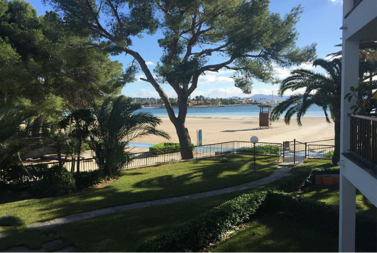 First line Sea view apartment for sale in Puerto de Alcudia