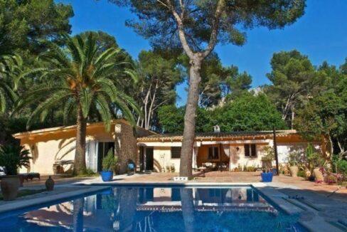 villa-de-lujo-en-formentor-mallorca-699x400