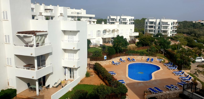 Charming penthouse with private roof terrace for sale in Cala d'Or