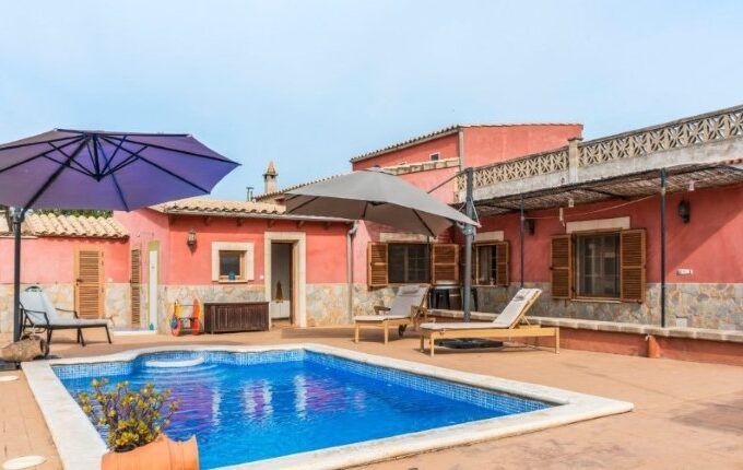 Detached villa 'rustic-style' with pool for sale in Bunyola, Mallorca