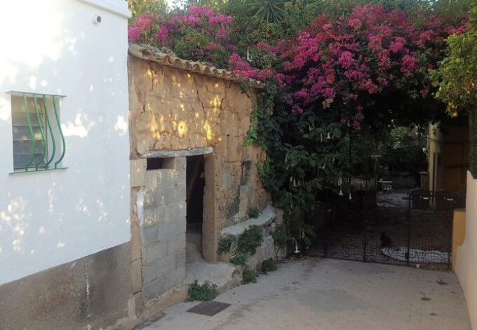 Terraced village house to renovate for sale in Andratx, Mallorca