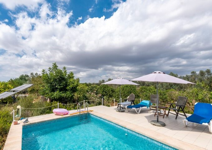 Bright Finca with holiday license for sale in Llucmajor, Mallorca