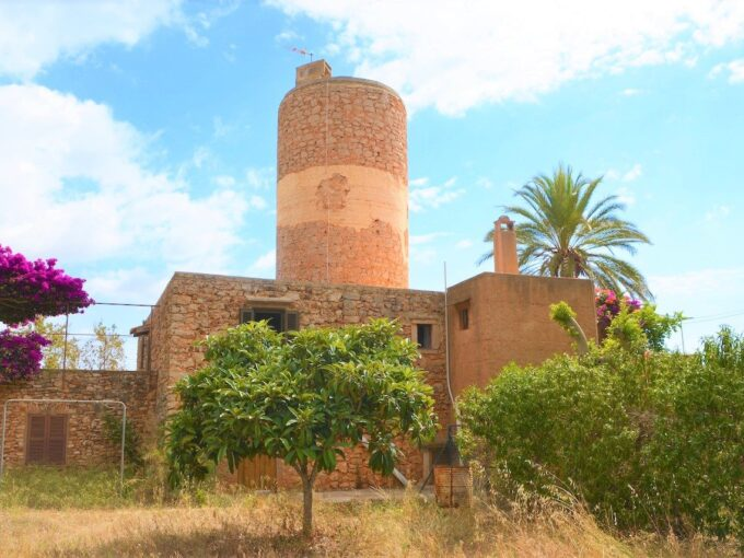 traditional mill for sale in S'Horta - Felanitx