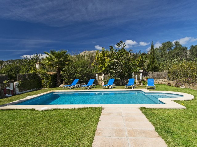 Charming house with holiday rental license for sale in Pollensa