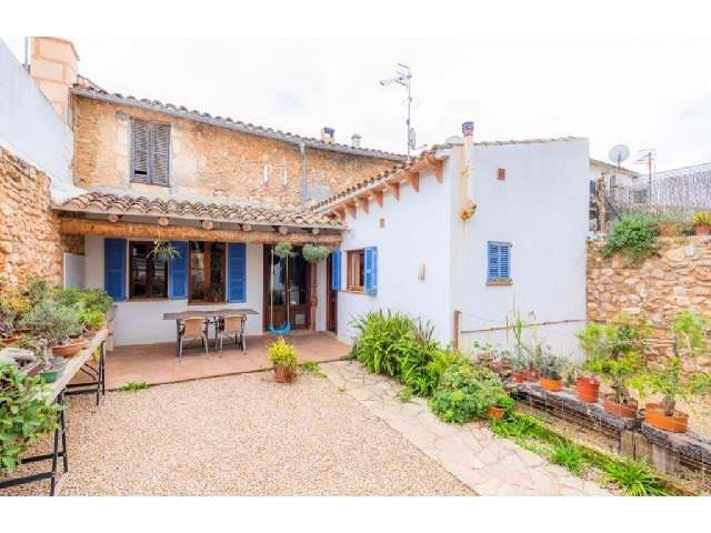 Village house with original features for sale in Son Servera