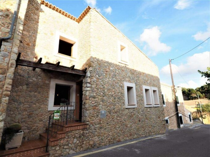 Semi-detached house with views for sale in Puigpunyent