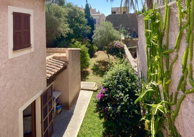 Reformed village house with garden for sale in Son Servera