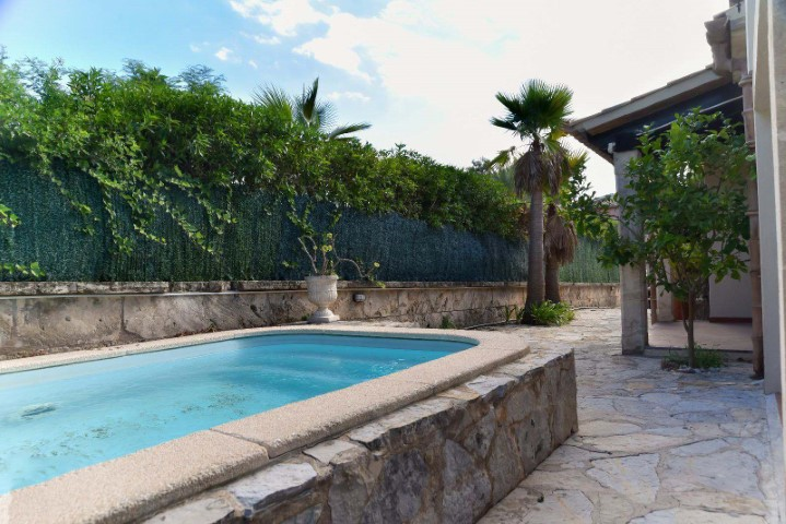 Charming house on two levels with pool for sale in Alcudia