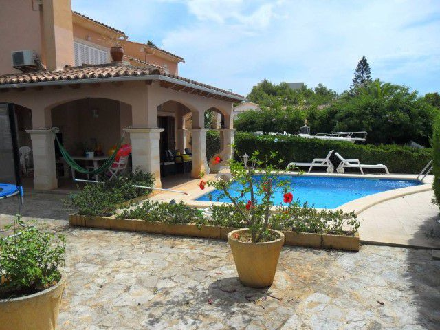 Spacious furnished villa with pool for sale situated in Son Floriana, Cala Bona