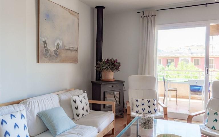 immobilie22309-wohnbereich-mit-balkon-g-1280x800