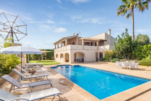 Ideal country house with holiday rental license for sale in Son Servera