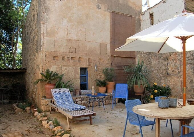 Historical village house with charm for sale in Porreres
