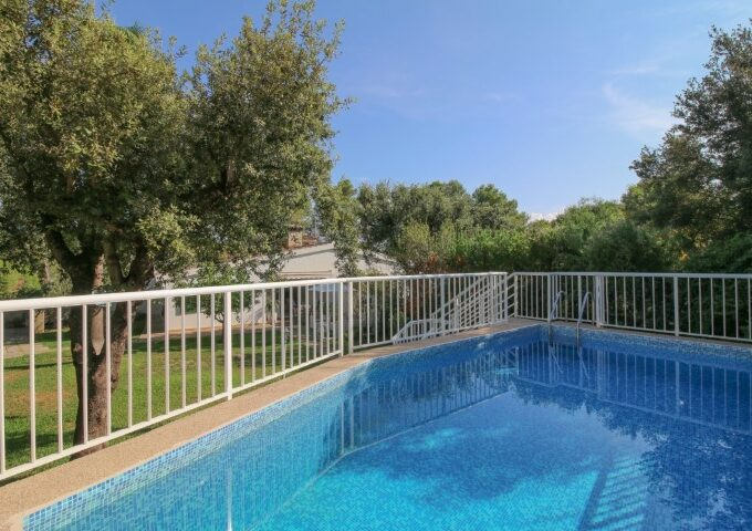 Nice villa for sale in Sa Pobla with holiday rental license