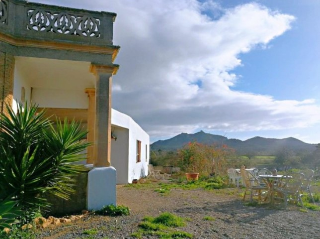 Rustic hilltop property to renovate for sale in Son Negra, Felenitx