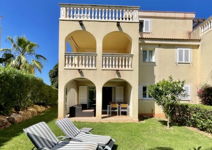 Modern apartment with holiday rental license for sale in Cala Mandia