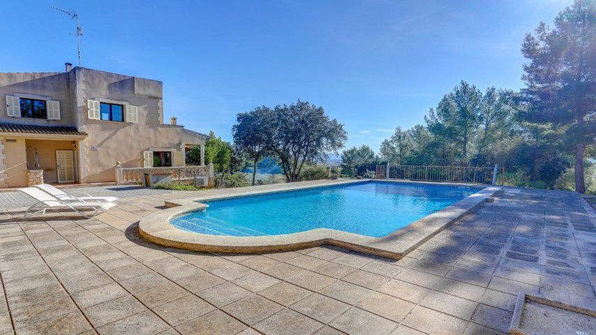 Country house with holiday rental licence for sale in Porreres