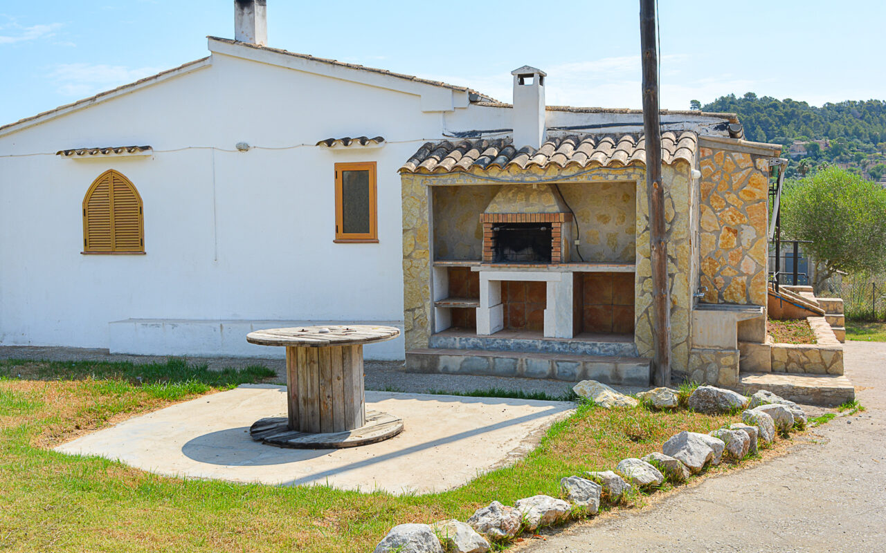 Finca for sale in a quiet area close to the town of Capdepera
