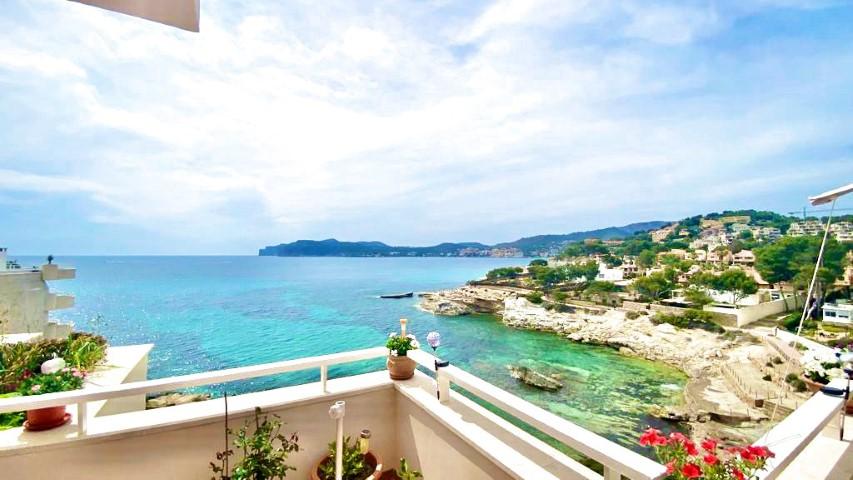 First line sea view apartment for sale in Costa de la Calma