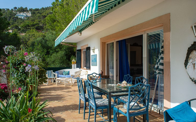 Mediterranean style villa for sale with holiday rental licence in Canyamel