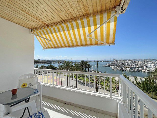 Apartment for sale in first line of the promenade of Puerto de Alcudia