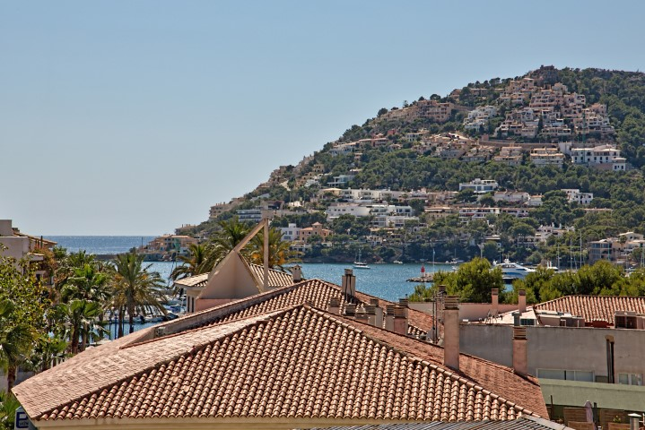 New Exclusive apartment with roof terrace and pool for sale in Port Andratx