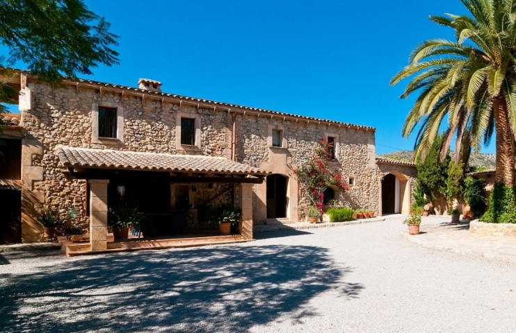 Finca country house Son Barbot for sale with Vacation Rental License (ETV) in Sant Llorenç des Cardassar